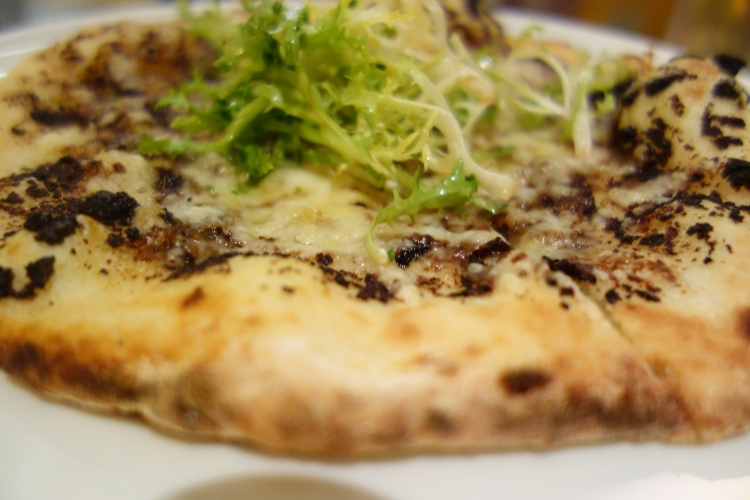 Black Truffle and Fontina Pizza at W Doha
