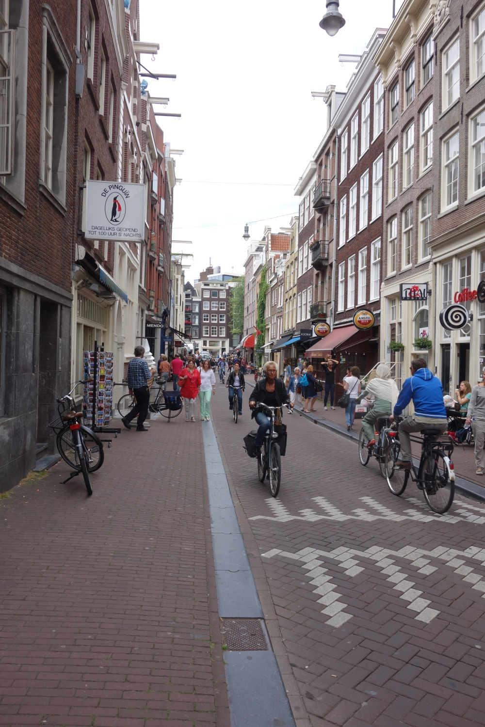 How the Dutch stay so slim - bikes everywhere