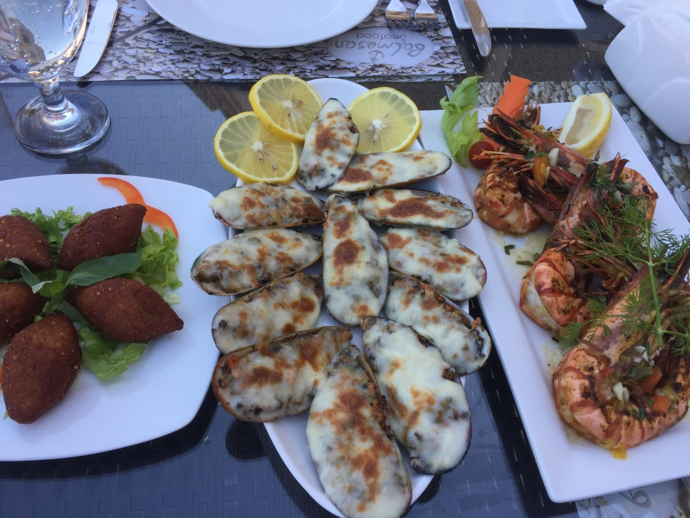 food blogger qatar seafood