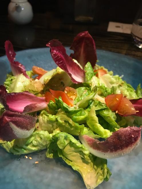 Boston lettice witha goma dressing